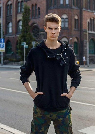 Styling Nr.2 - Hoodie, T-Shirt,kurze Hose